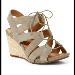 Clarks Acina Chester Lace-Up Wedge Sandal